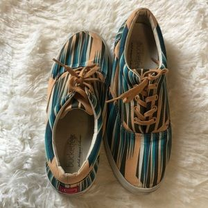 Bucket Feet Shoes size 9